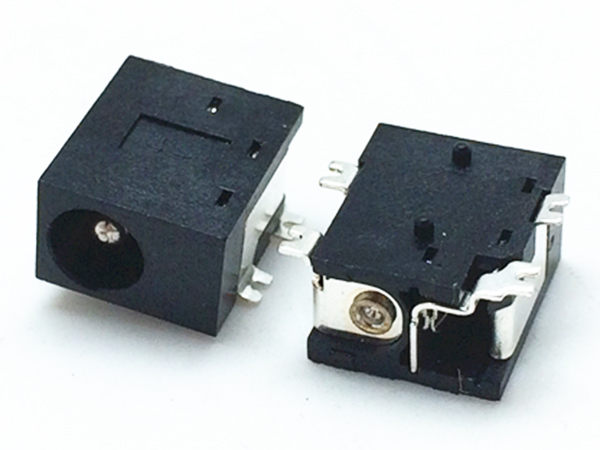 DC power outlet DC-033